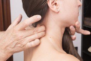 Schmerzen im Nacken - ein Anwendungsbereich für langes Dehnen