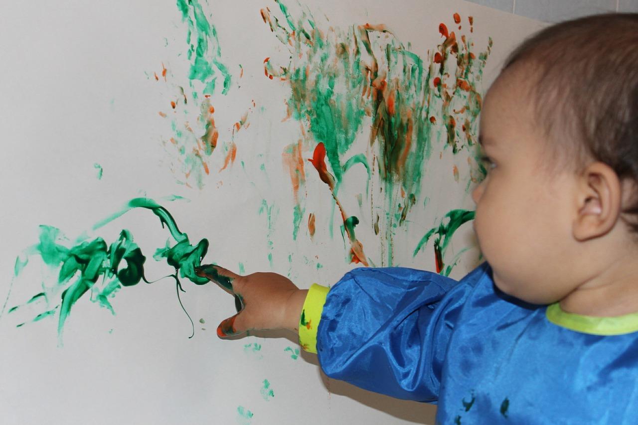 Mit Fingerfarben schaffen schon die Kleinsten die größten Kunstwerke.