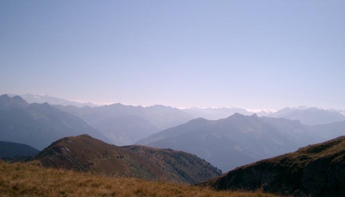 Blick vom Statzerhaus auf den Alpenhauptkamm