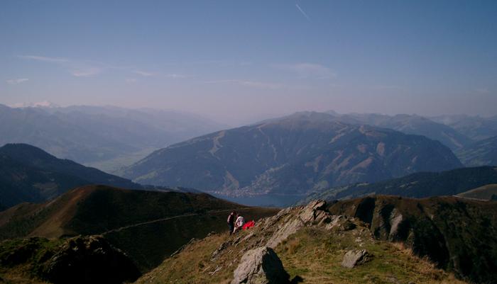 Blick vom Hundstein nach Zell am See und auf die Schmittenhöhe