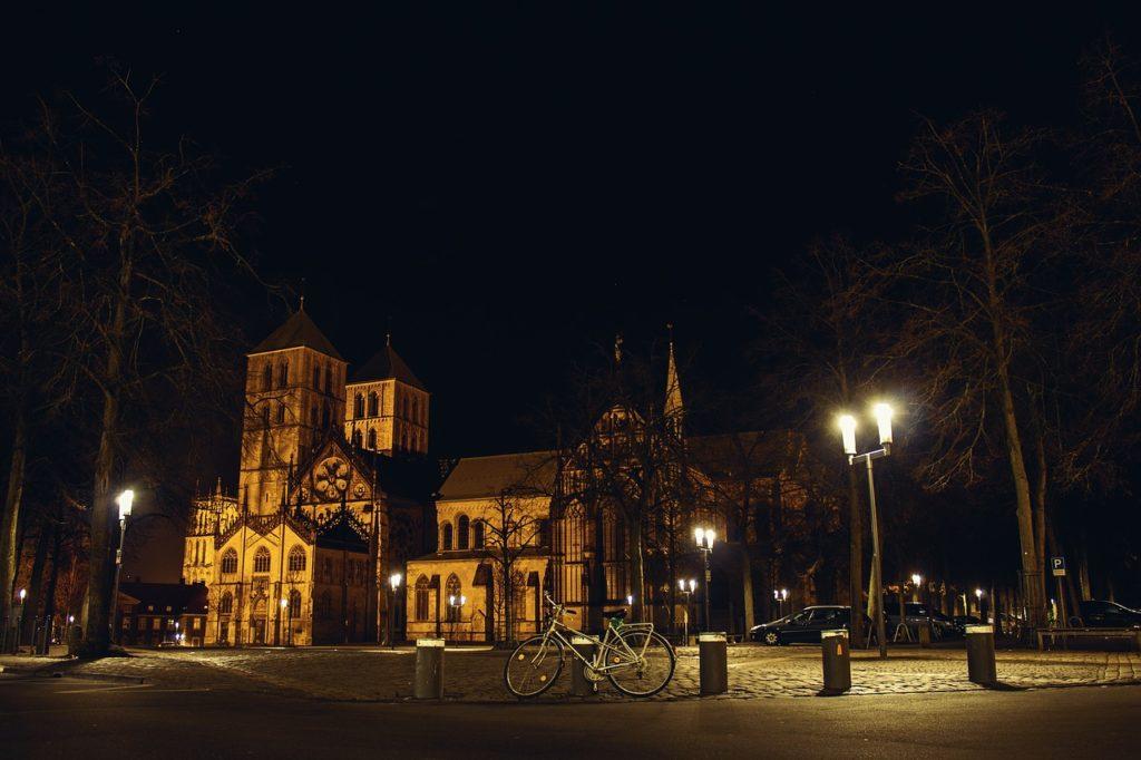 Das Herzstück der Stadt ist der beeindruckende Dom.