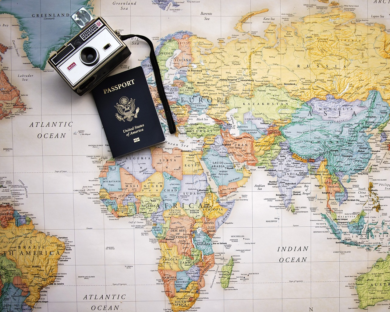 Kamera, Reisen