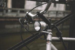 Licht prüfen beim Fahrrad-Frühlingscheck