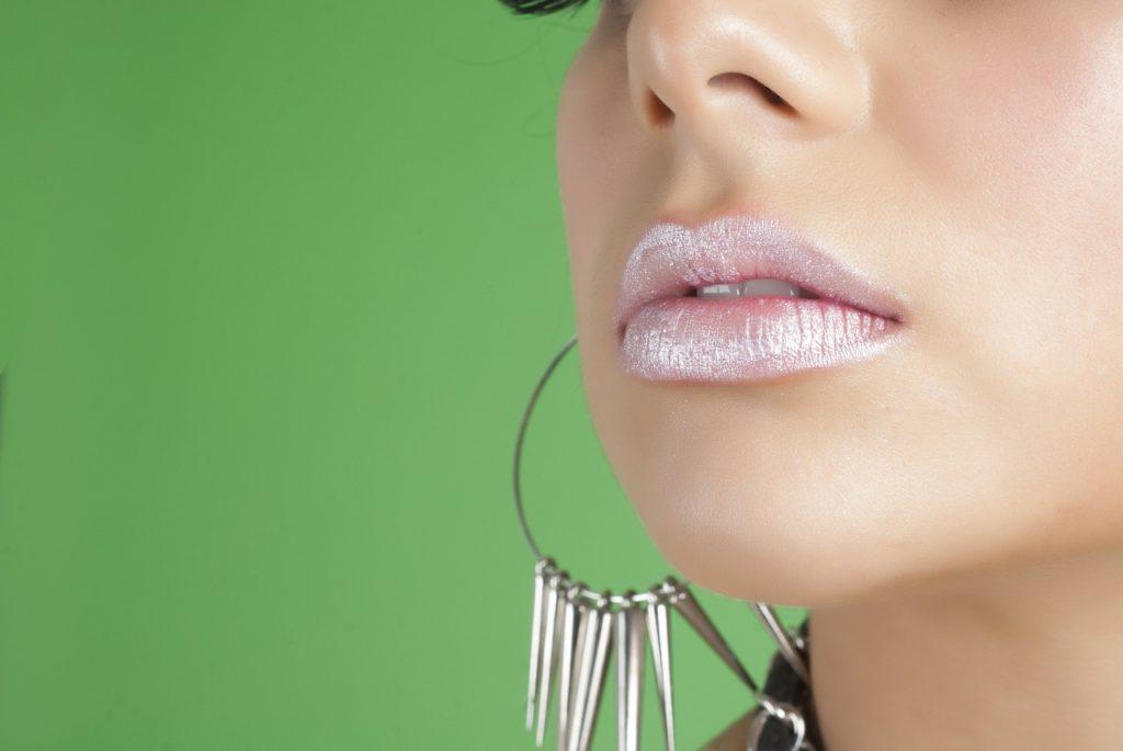 Lippenstifte im Metallic-Look sind 2018 angesagt
