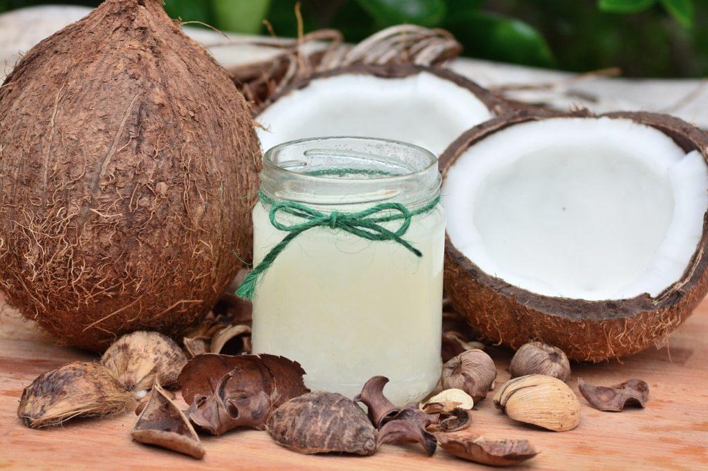 Wirkt gegen Zecken: Kokosöl