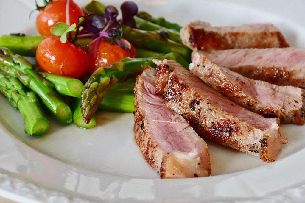 Low Carb Diät: Auf Kohlenhydrate wird weitestgehendst verzichtet