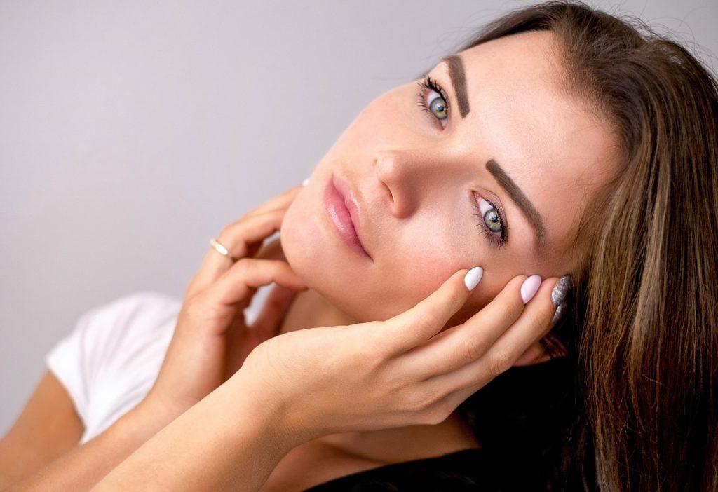 Microblading sorgt für natürlich aussehende Augenbrauen