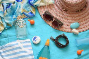 Gesund bräunen - mit Sonnencreme, Sonnenbrille und Sonnenhut